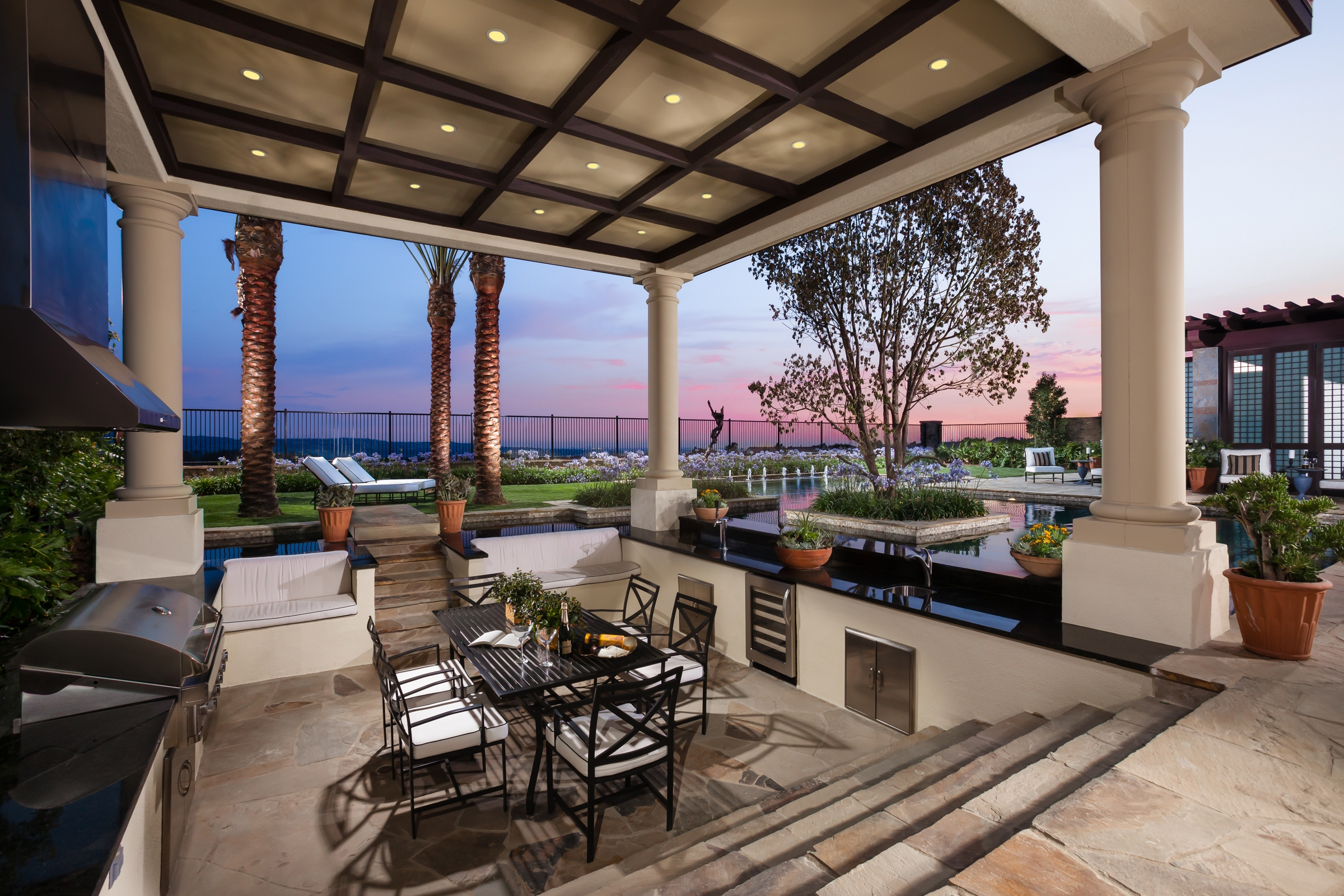 Single-Level Luxury Draws Interest in Toll Brothers ... on Exclusive Outdoor Living id=98263